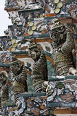 Thailand, Bangkok, Yai District, Arun Temple (Wat Arun Ratchawararam), roof ornaments — Stock Photo