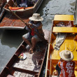 Thailand, Bangkok, wooden Thai boats at the Floating Market — Stock Photo