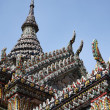 Thailand, Bangkok, Imperial Palace, Imperial city, ornaments on the roof of a Buddhist temple — Foto Stock