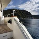 Italy, Tuscany, Elba Island, view of the coastline from a luxury yacht — Stock Photo #8108091
