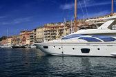 ポルトフェッライオ港でイタリア、エルバ島高級のヨットします。 — ストック写真
