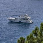 Italy, Elba Island, a luxury yacht in a bay near Porto Azzurro — Stock Photo #8736414