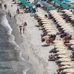 Italy, Elba Island, crowded beach near Porto Azzurro — Stock Photo #8754334