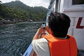 Thailand, Koh Nangyuan (Nangyuan Island), skin divers swimming — Stock Photo