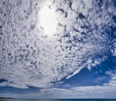 Italy, Sicily, Donnalucata (Ragusa province), clouds in the sky and the Mediterranean sea — 图库照片