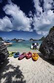 Thailand, MU KOH ANGTHONG National Marine Park, canoes on the beach — Stock Photo