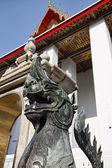 Thaïlande, bangkok, pranon wat pho, pose de temple du Bouddha, statue de Pierre dragon — Photo