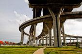 Crossing highway — Stockfoto