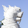 The white statue of a lion — Stock Photo