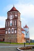 Hradní věž ve městě mir v bělorusku — Stock fotografie