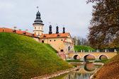 Castelo niasvizh. a república da bielorrússia. — Fotografia Stock