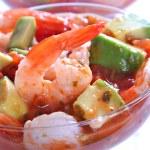 Shrimp with Avocado Salsa Sauce — Stock Photo