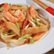 Spicy Shrimp Pad Thai Close-up — Stock Photo