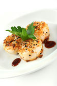 Sesame ginger scallop with hoisin sauce — Stock Photo