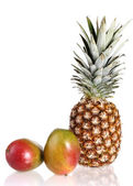 Ripe mango and pineapple — Stock Photo