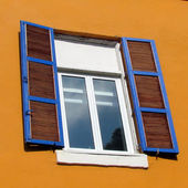 Tel Aviv Neve Tsedek Window with shutters 2012 — Stock Photo