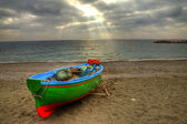 Fishing boat on the beach of Atrani (SA) during a storm — Stock Photo