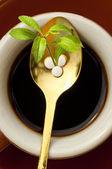 таблетки стевии rebaudiana, поддержка сахар — Стоковое фото