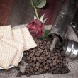 Coffee beans and roses — Stock Photo