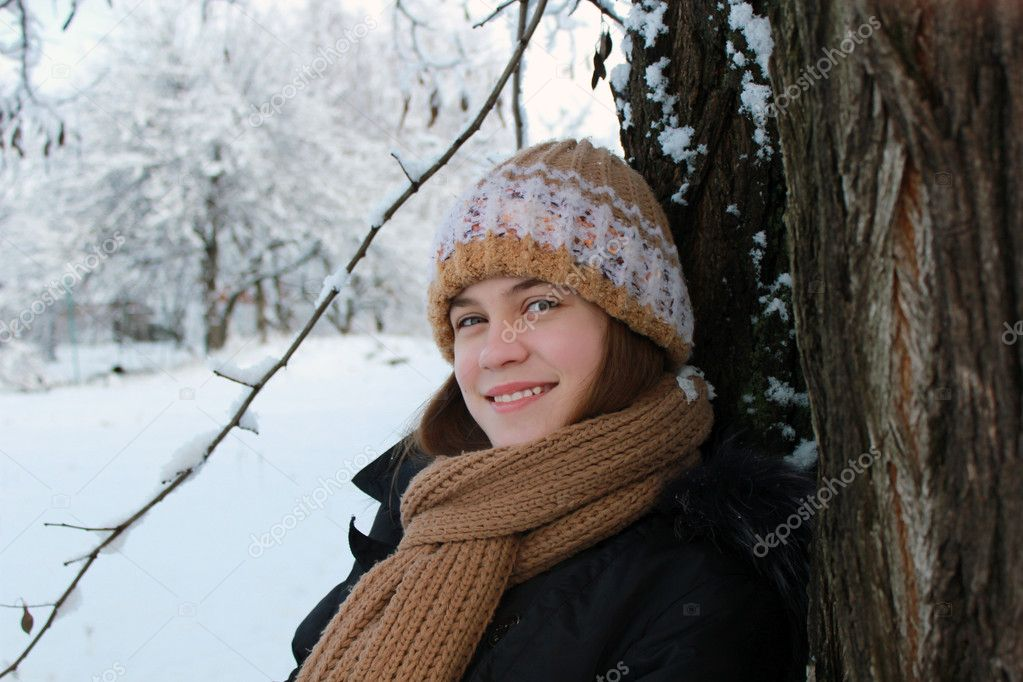 The girl on the background of winter nature — Stock Photo #8712126