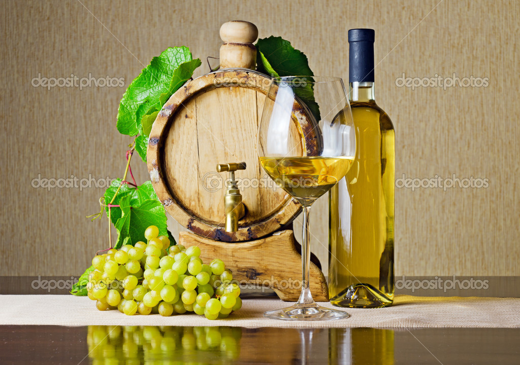 White wine on the table. — Stock Photo #8922161