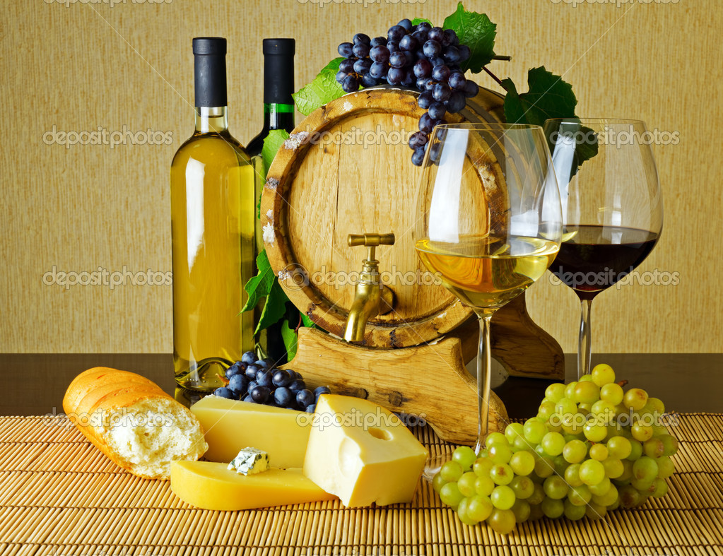 Wine and cheese on the table — Stock Photo #8944506