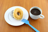 Sugar and chocolate donut on breaking time. — Foto de Stock