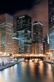 Chicago river lopen — Stockfoto