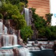 Waterfall and Wynn Hotel, Las Vegas — Stock Photo
