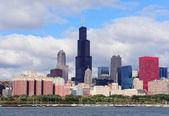 Chicago skyline over Lake Michigan — Stock Photo