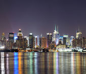 New York City Manhattan midtown skyline at night — Stock Photo