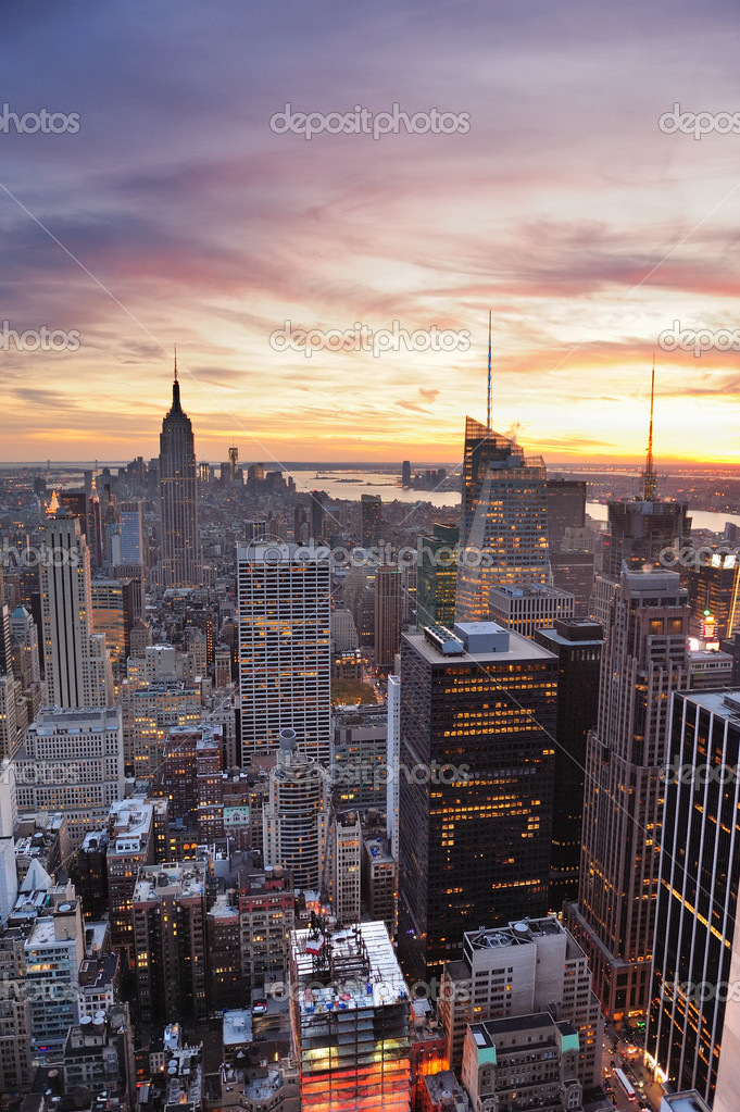 New York City skyline with urban skyscrapers at sunset. — Stock Photo #9858710