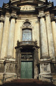 Facade of the Dominican church in the old part of Lviv — Stock Photo