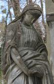 Statue de femme sur la tombe — Photo