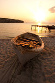 The boat on the sea coast on the sand — Stock Photo