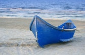 Boat on a beach — Stock Photo