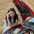 Woman in her car broke down. engine failure — Stock Photo