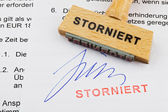 Wood stamp on the document: canceled — Stock Photo