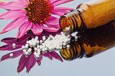 Homeopatía. glóbulos como medicina alternativa — Foto de Stock