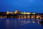 Прага, Карлов мост и Пражский замок — Стоковое фото