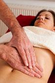Rust en ontspanning door middel van massage — Stockfoto