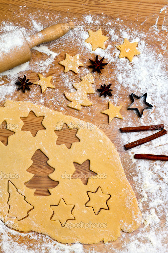 Baking cookies and biscuits in advent. preparing for christmas — Stock Photo #8196156