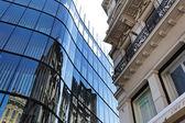 Praga, maravilhosamente renovado abriga n o reboque velho — Fotografia Stock