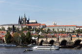 Prague, charles bridge and prague castle hradcany — Stock Photo
