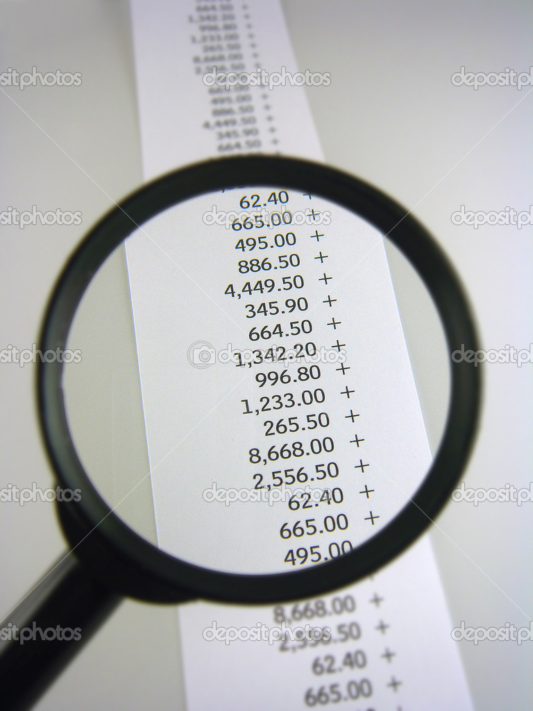 Gains and losses of stock prices under the magnifying glass — Stock Photo #8356078