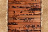 Cadre de papier vieilli vintage sur un fond en bois — Photo
