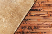 风化老纸页上一个木制的背景 — 图库照片