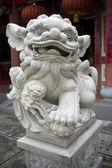 伝統的な中国のライオンの彫刻 — ストック写真