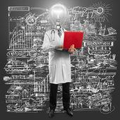 Lamp hoofd arts man met laptophombre de médico de cabecera de lámpara con portátil — Stockfoto