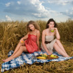 Two beautiful slavonic girls on picnic — Stock Photo #8468382